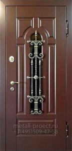 Входная дверь в дом с терморазрывом со стеклом и ковкой