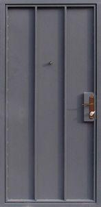 Дверь с окрасом быстросохнущей краской и винилискожей